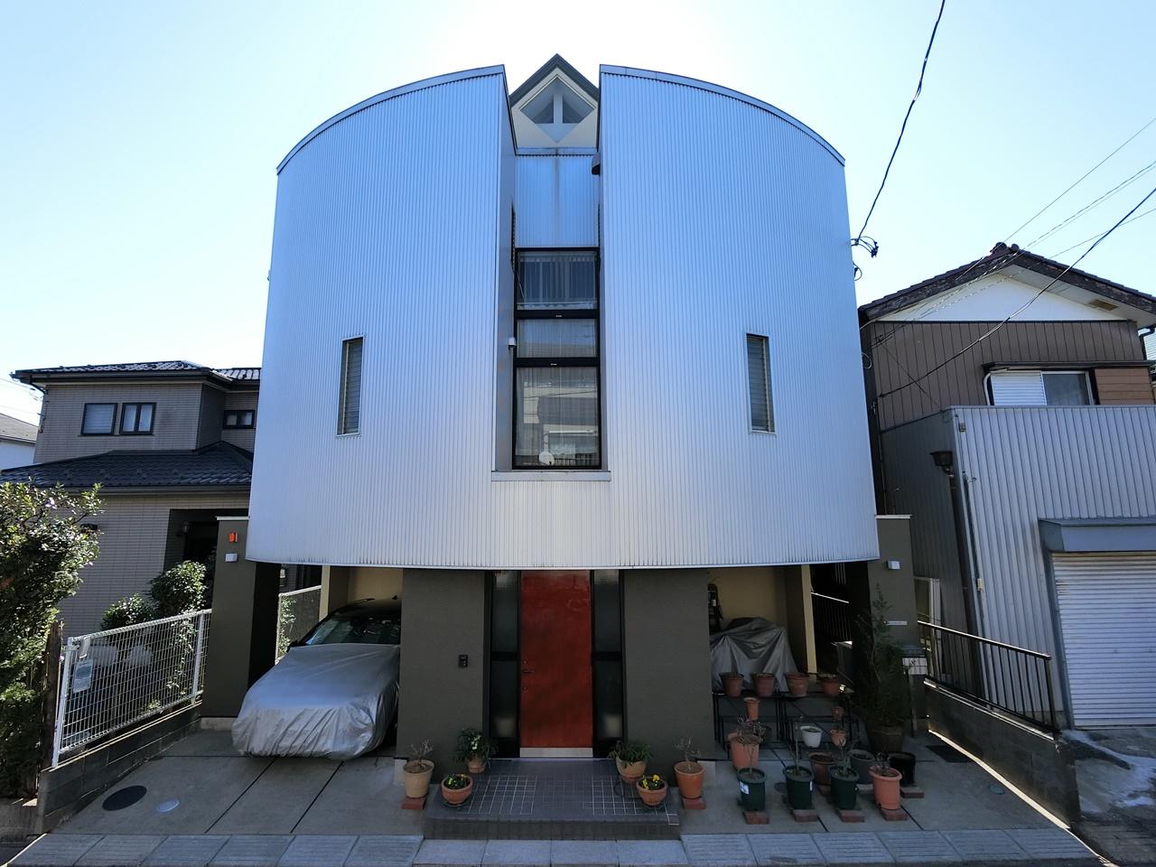 デザイナーズ住宅の雨漏り修繕+屋根・外壁シリコン塗装!