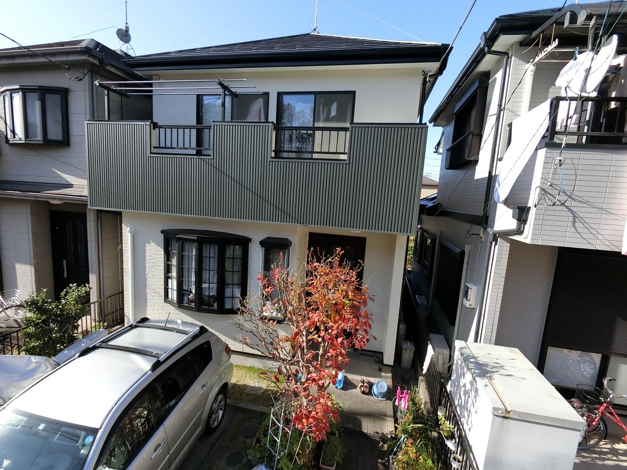 屋根カバー工法&外壁袖壁にガルバリウム鋼板を増し張りでアクセントをプラス!!!
